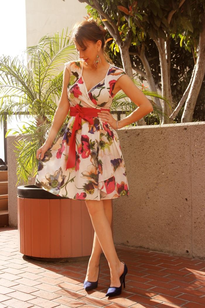 Evelina Galli in a 50es dress
