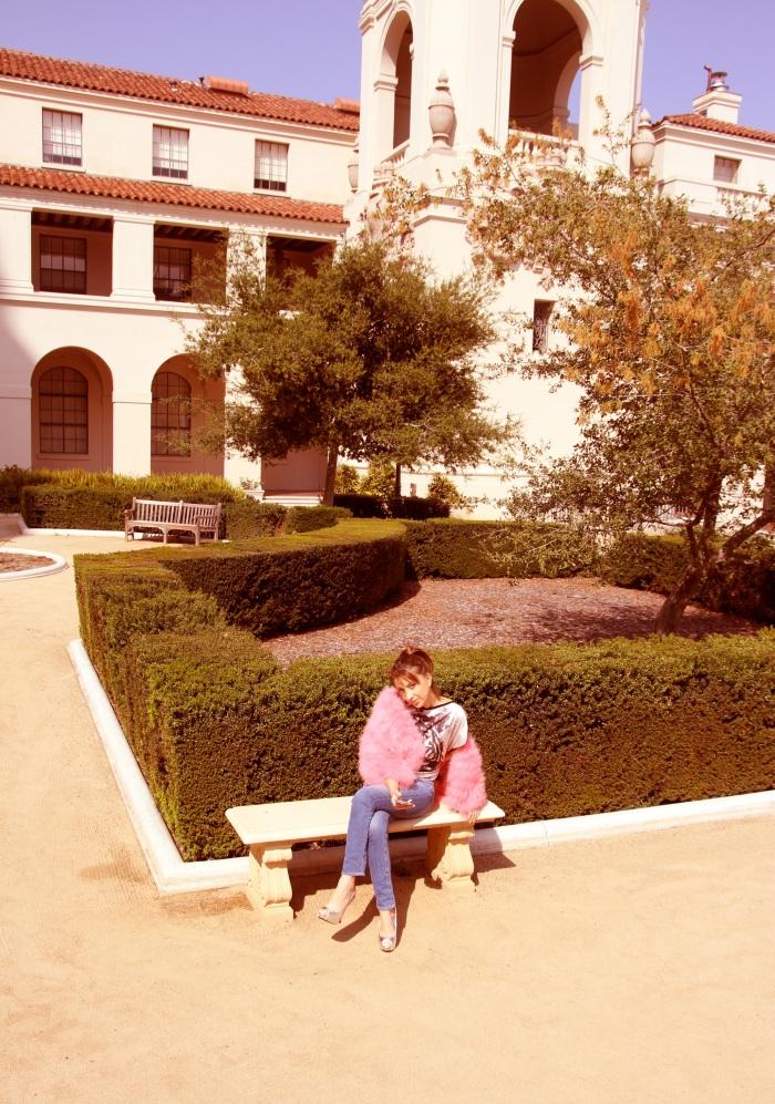 Evelina Galli in  pink fur